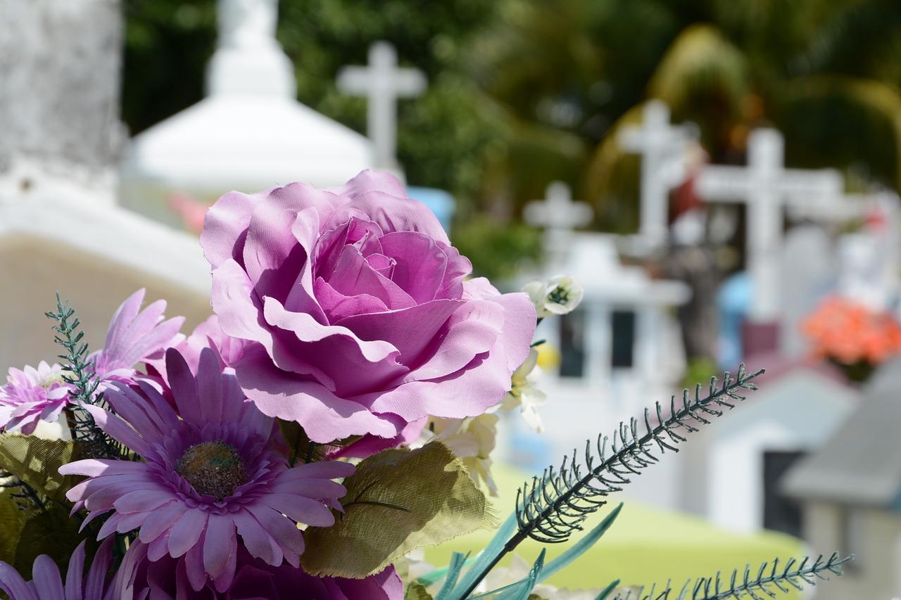 fleurs tombe